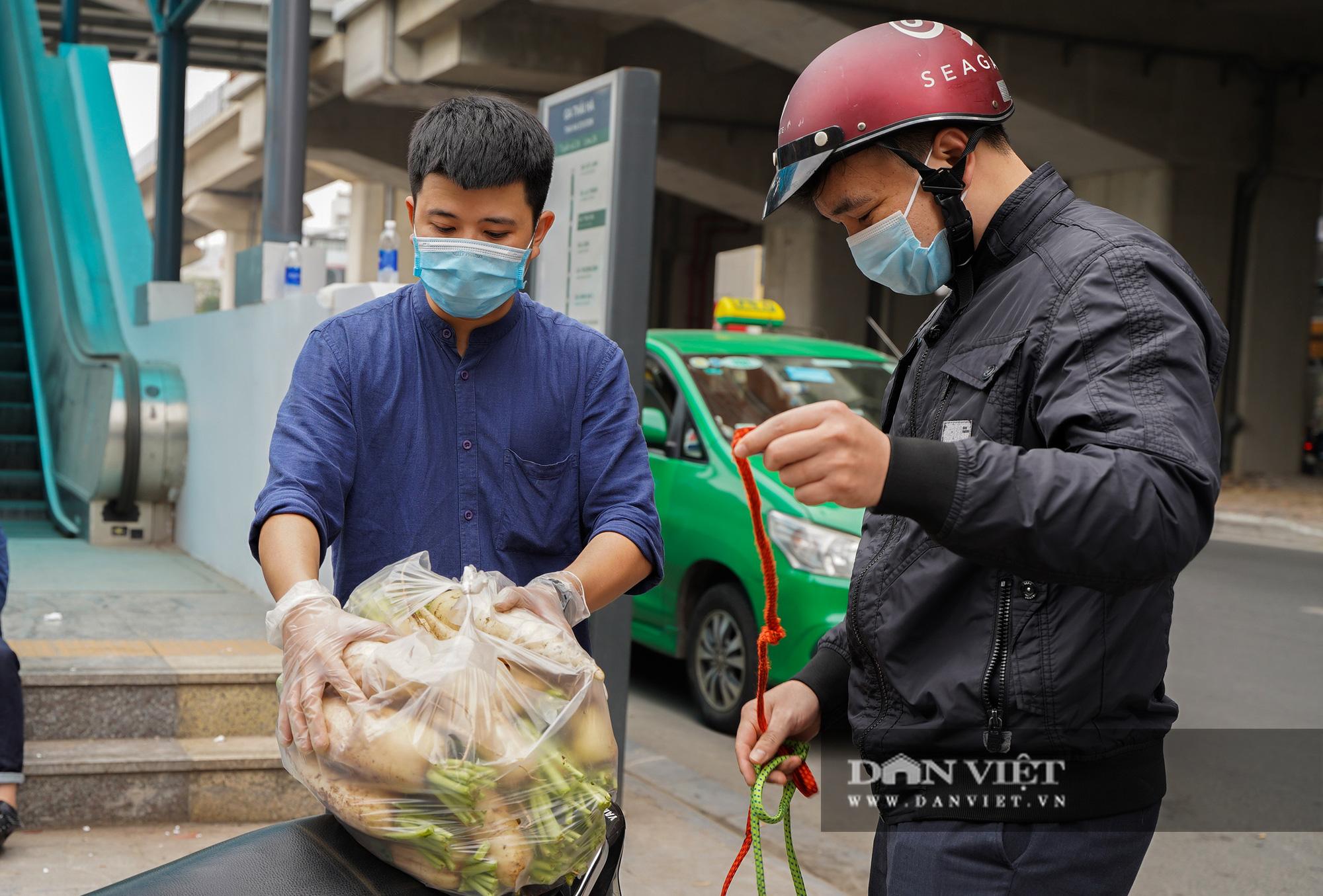 Hơn 4 tấn nông sản ở Mê Linh được giải cứu trong sáng nay - Ảnh 5.