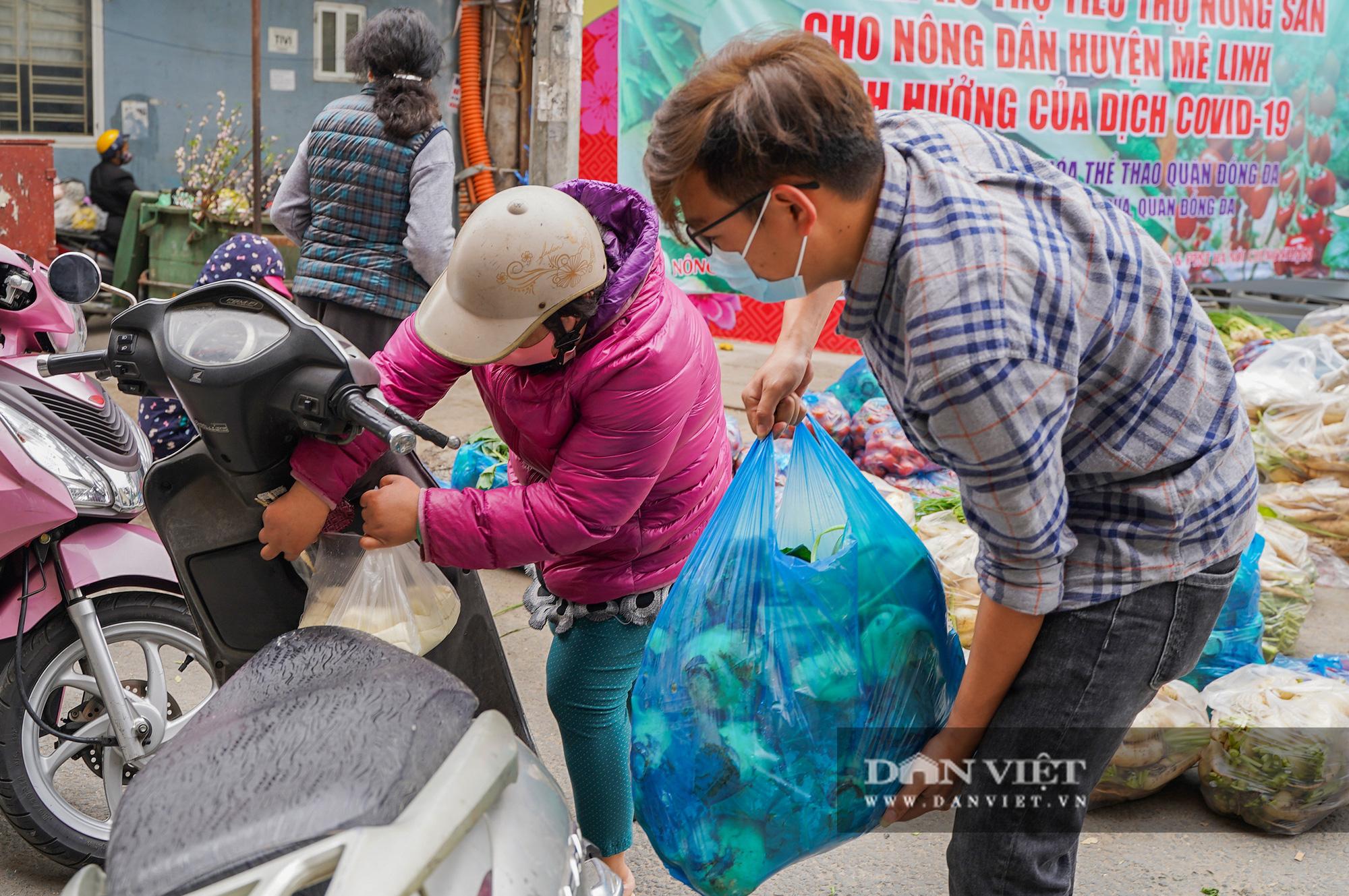Hơn 4 tấn nông sản ở Mê Linh được giải cứu trong sáng nay - Ảnh 11.