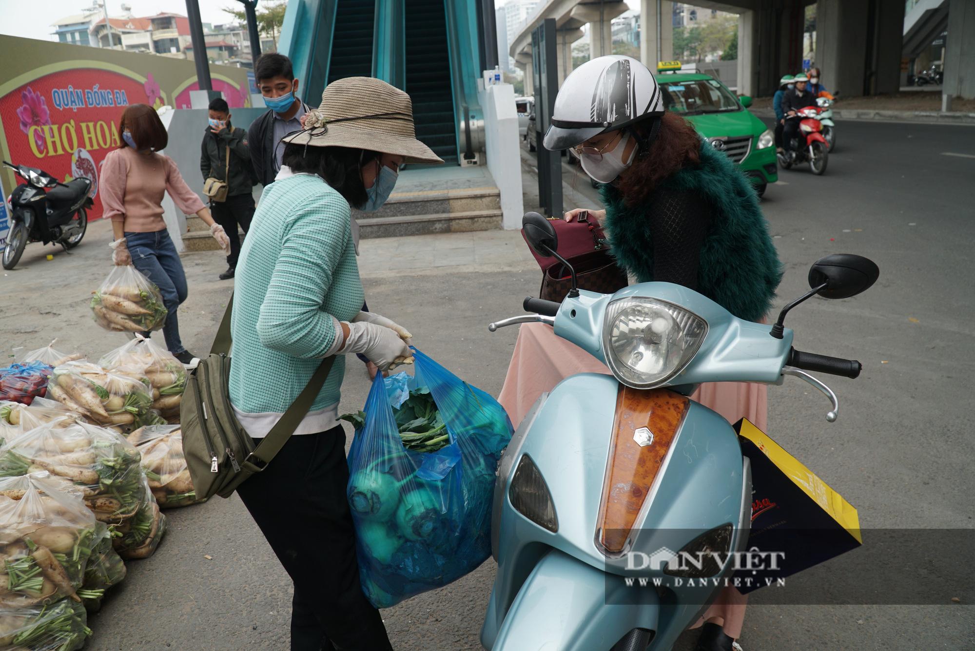 Hơn 4 tấn nông sản ở Mê Linh được giải cứu trong sáng nay - Ảnh 13.