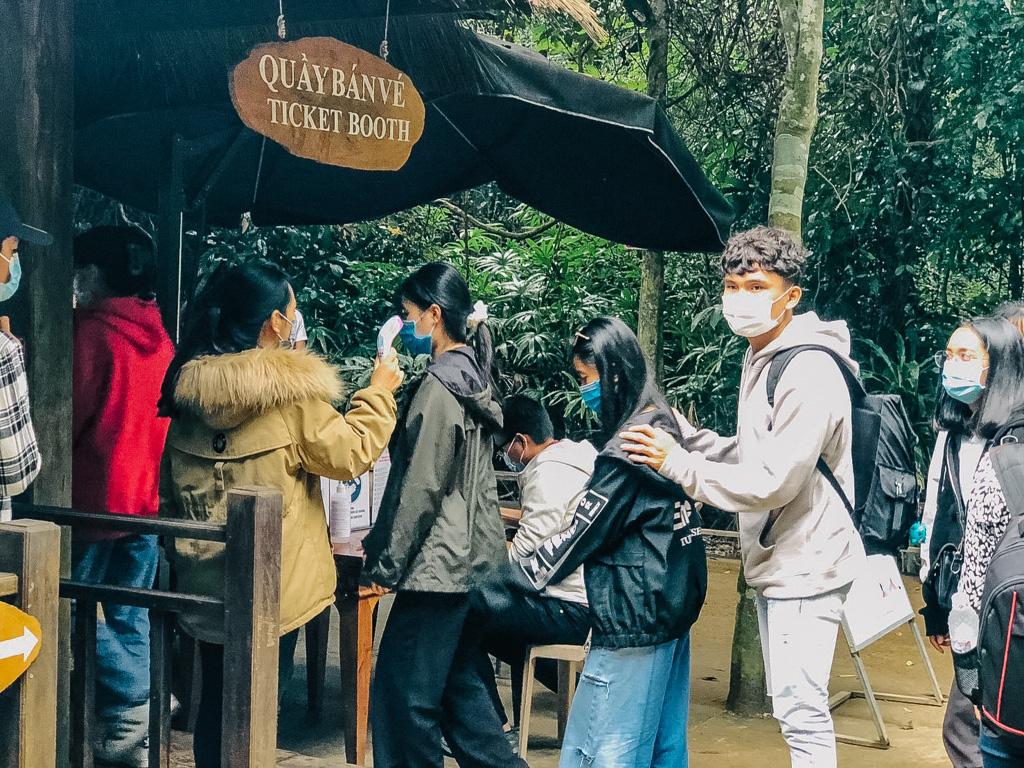 Du lịch Tết Nguyên đán: Quảng Bình, Hà Giang, ế ẩm giảm sâu - Ảnh 1.