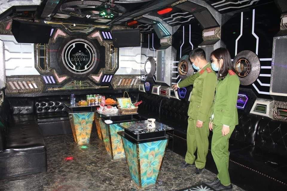 Nhân chứng kể về cuộc thảm sát tại quán karaoke ở Hòa Bình - Ảnh 1.