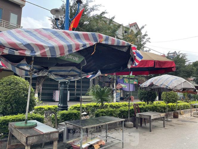 Hình ảnh khác lạ trên các con đường, bến thuyền dẫn vào chùa Hương - Ảnh 10.