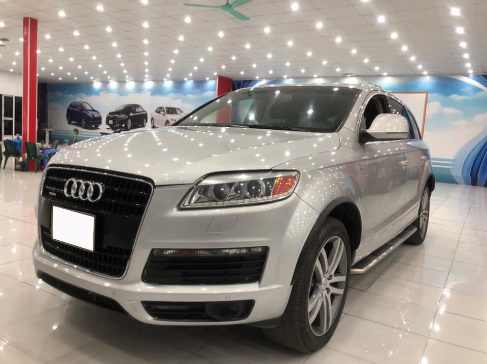 'Tán lộc đầu xuân', chủ xe hạ giá Audi Q7 rẻ ngang VinFast Fadil 'đập hộp' - Ảnh 1.