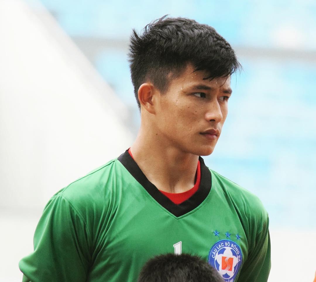 Bạn trai cũ của Yến Xuân: Tuyển thủ U22 Việt Nam, điển trai và cao 1m76 - Ảnh 1.