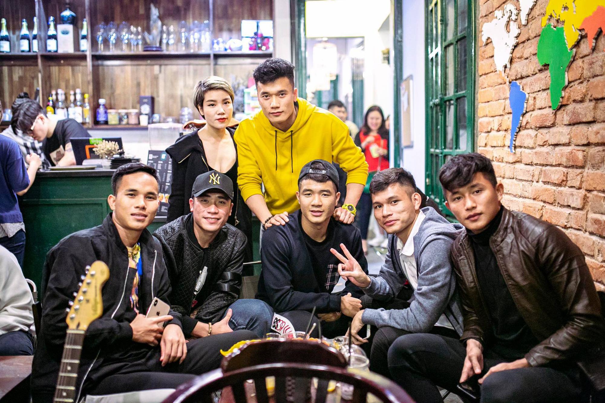 Bạn trai cũ của Yến Xuân: Tuyển thủ U22 Việt Nam, điển trai và cao 1m76 - Ảnh 9.