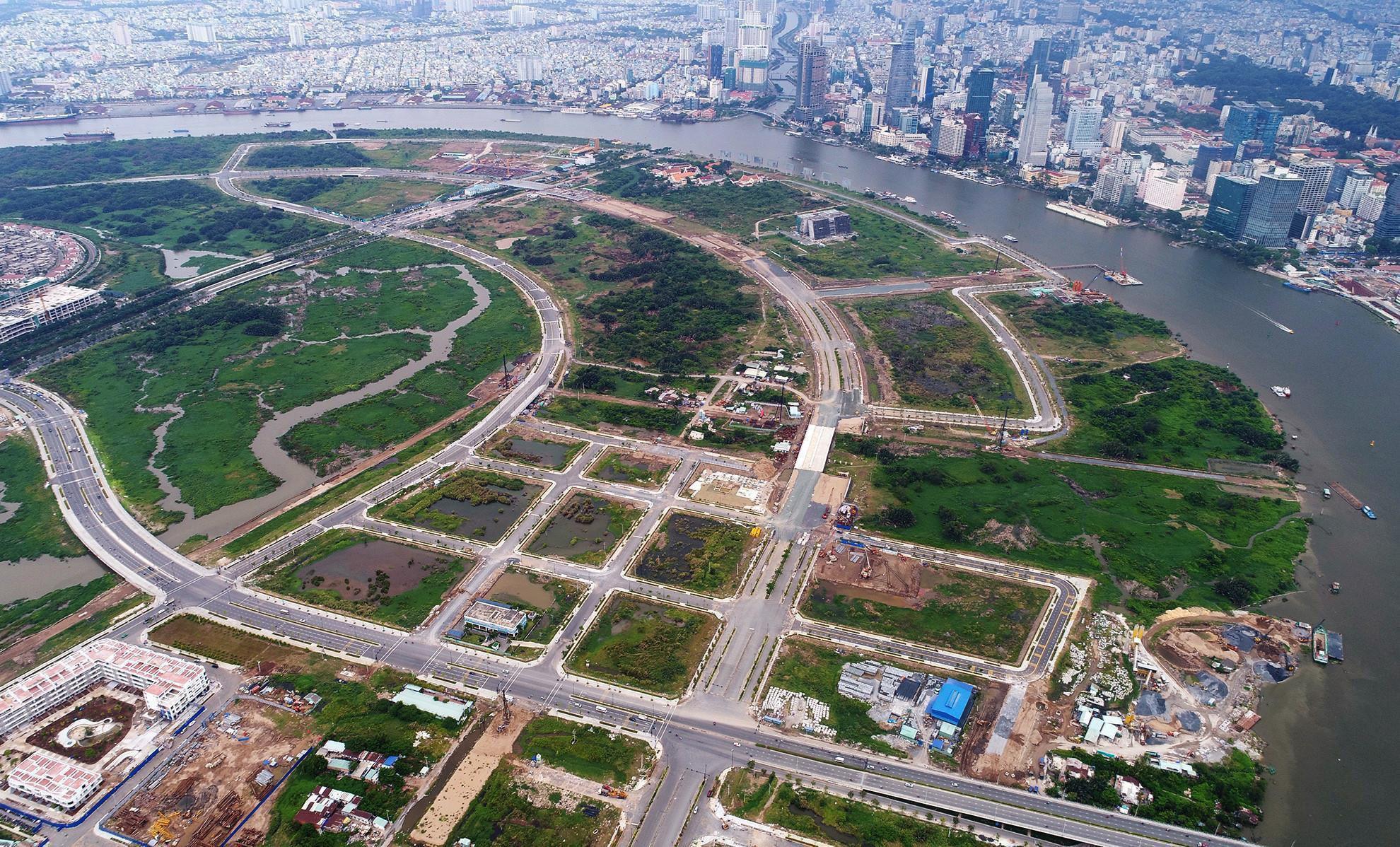 """Thu hồi thêm đất hai bên đường làm dự án để bán đấu giá: Chính quyền TP.HCM đi """"buôn đất""""? - Ảnh 1."""