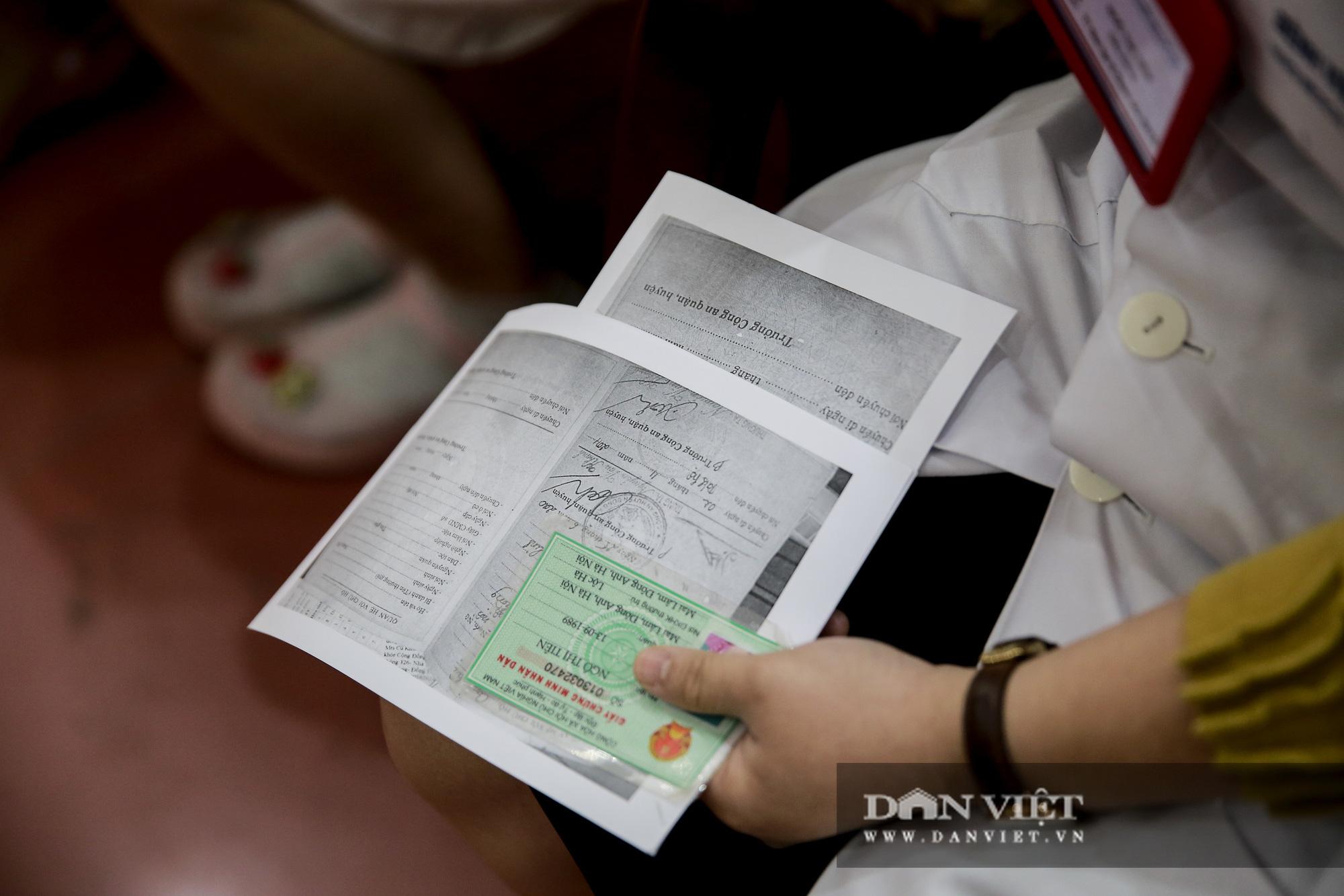 Mục sở thị quá trình cấp thẻ căn cước công dân gắn chíp lưu động tại Hà Nội - Ảnh 3.