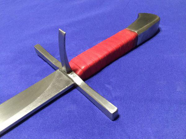 """Messer: Thứ vũ khí đáng sợ nhưng có cái tên """"lạ đời"""" của người Đức - Ảnh 2."""