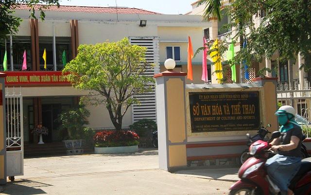 """Xử lý nghiêm vụ đối tượng """"xăm trổ"""" đến nhà Giám đốc Sở Văn hóa và Thể thao Bình Định hăm dọa - Ảnh 1."""
