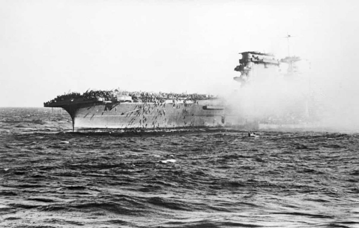 Top 10 trận chiến trên biển lớn nhất trong lịch sử thế giới - Ảnh 3.