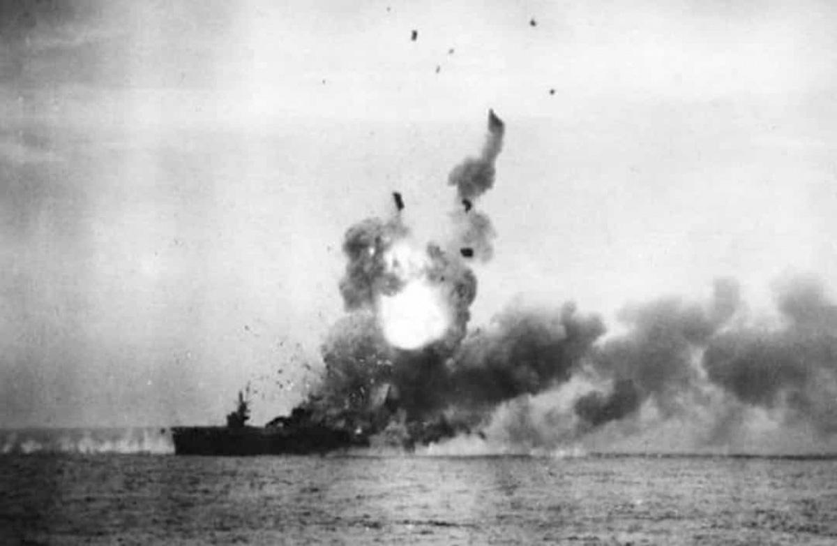 Top 10 trận chiến trên biển lớn nhất trong lịch sử thế giới - Ảnh 4.