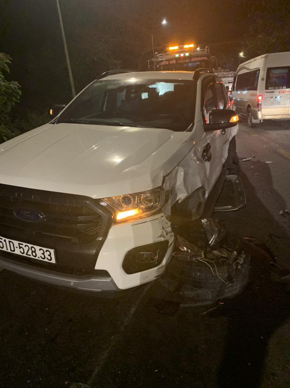 Xe container mất thắng gây tai nạn liên hoàn 6 ô tô trên đèo Bảo Lộc - Ảnh 2.