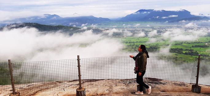 Lên đỉnh núi Cô Tô-1 trong 7 ngọn núi nổi tiếng nhất tỉnh An Giang sao lại thót tim, nín thở - Ảnh 8.