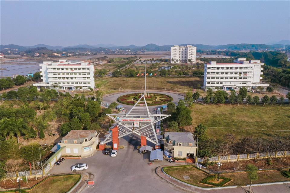 Hải Dương: Bệnh nhân Covid-19 giảm mạnh, Bệnh viện dã chiến số 1 ở TP. Chí Linh giải thể - Ảnh 2.