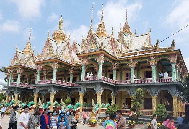 Sóc Trăng: Một ngôi chùa trăm tuổi, trải qua 12 đời trụ trì có tượng Phật nằm khổng lồ nhất Việt Nam - Ảnh 2.
