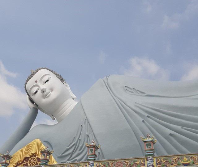 Sóc Trăng: Một ngôi chùa trăm tuổi, trải qua 12 đời trụ trì có tượng Phật nằm khổng lồ nhất Việt Nam - Ảnh 7.
