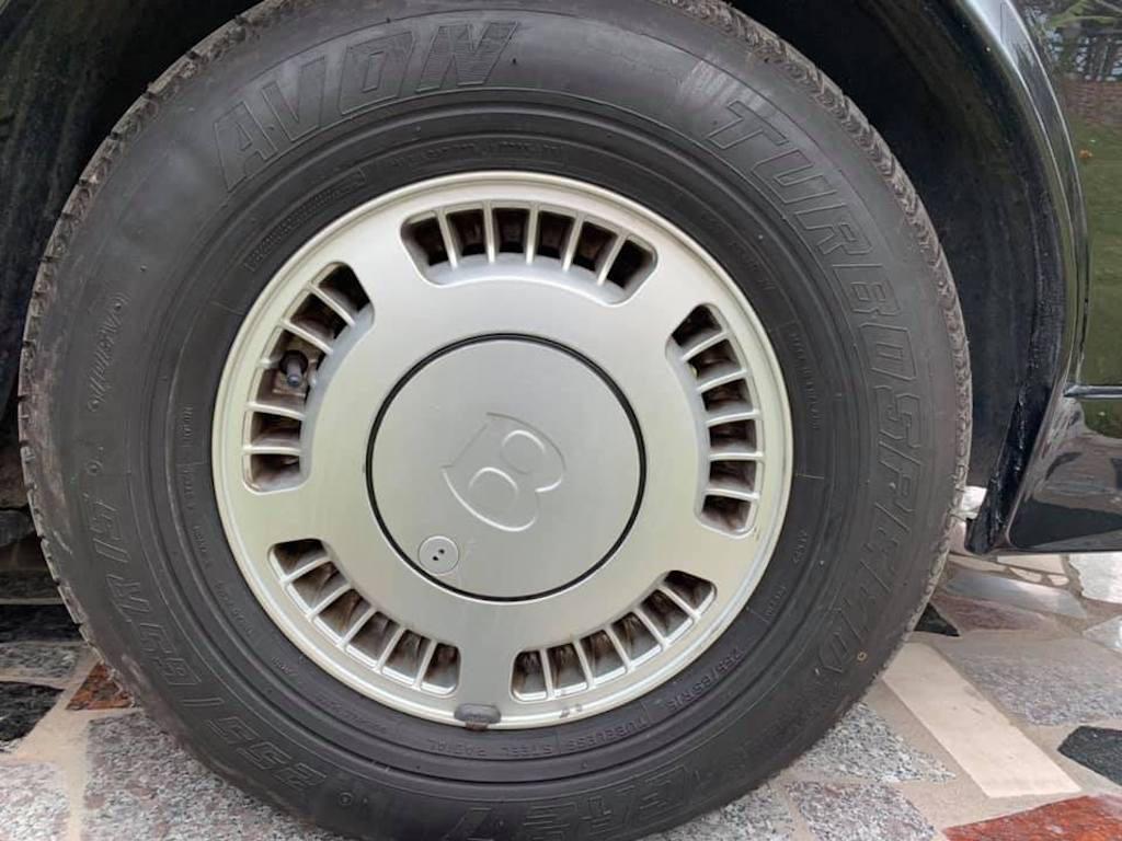 Xe sang Bentley cổ hàng hiếm của đại gia Việt vẫn có giá sốc - Ảnh 5.
