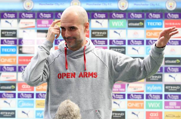 """Guardiola cùng Man City đang """"một mình một ngựa"""" trong cuộc đua vô địch Premier League."""