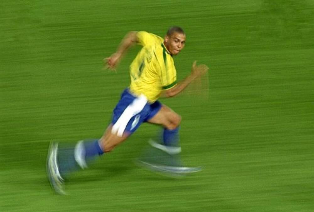 """Top 30 kỹ năng tuyệt đỉnh của """"Người ngoài hành tinh"""" Ronaldo - Ảnh 1."""