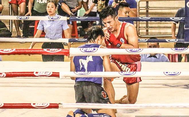 Chấm dứt 12 năm thống trị của Nguyễn Trần Duy Nhất, võ sĩ trẻ... bật khóc - Ảnh 1.