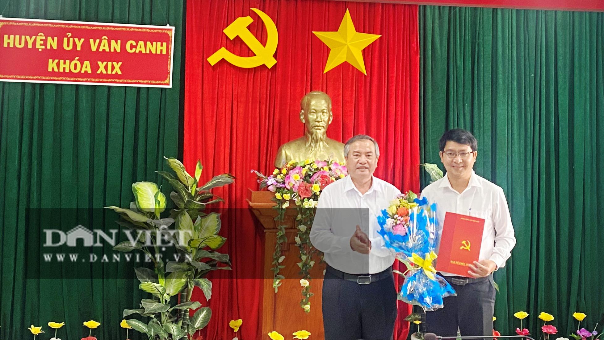 Giới thiệu Phó Bí thư Tỉnh đoàn Bình Định bầu làm Chủ tịch huyện - Ảnh 2.