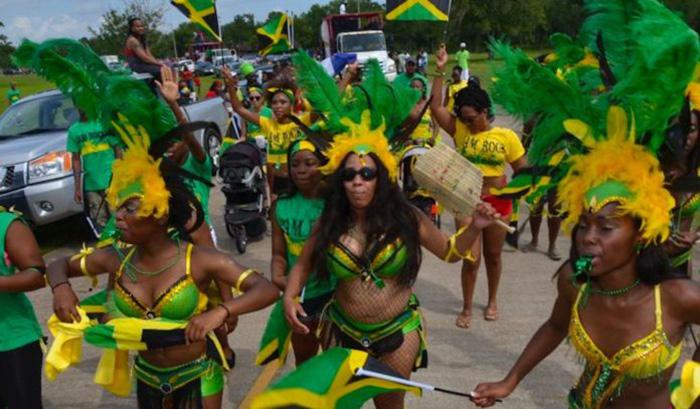 """Những nghi thức """"trò chuyện với tổ tiên"""" sôi động ở quốc đảo Jamaica - Ảnh 1."""