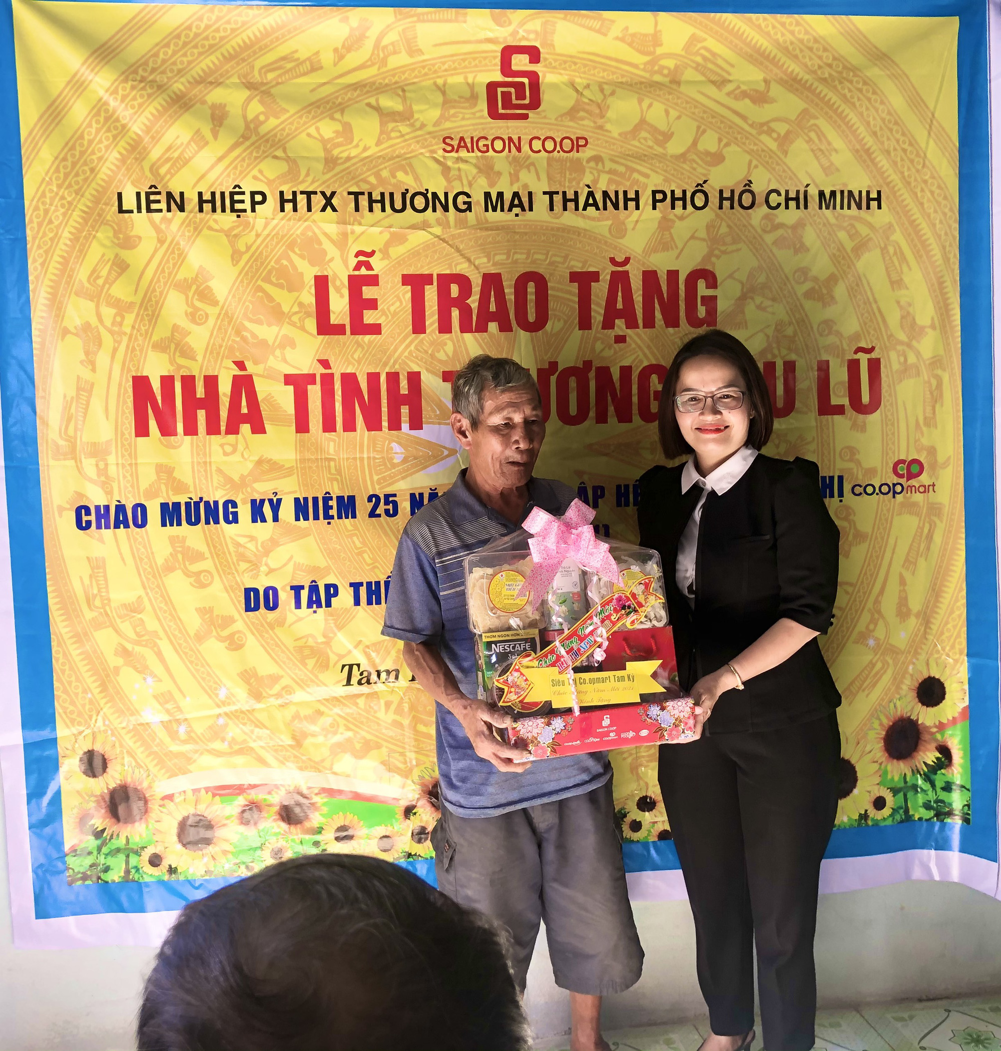 Quảng Nam: Mang xuân đến với bà con nông dân xứ Quảng - Ảnh 4.