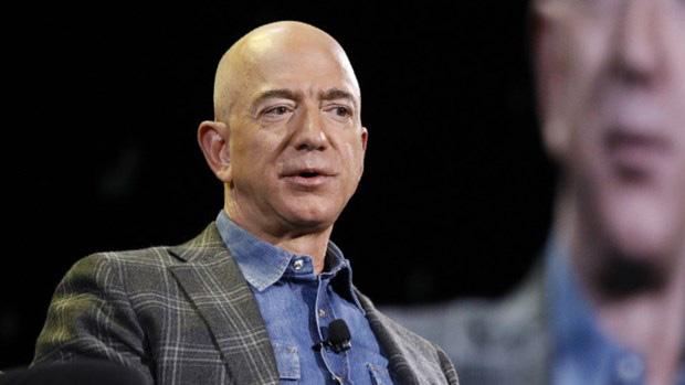 Tỷ phú Jeff Bezos tuyên bố sẽ từ chức giám đốc điều hành Amazon - Ảnh 1.