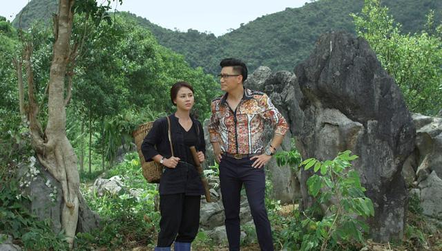 """Lộ clip hậu trường cảnh Việt Anh giãy giụa, đau đớn vì bị đánh trong """"Hướng dương ngược nắng"""" - Ảnh 1."""