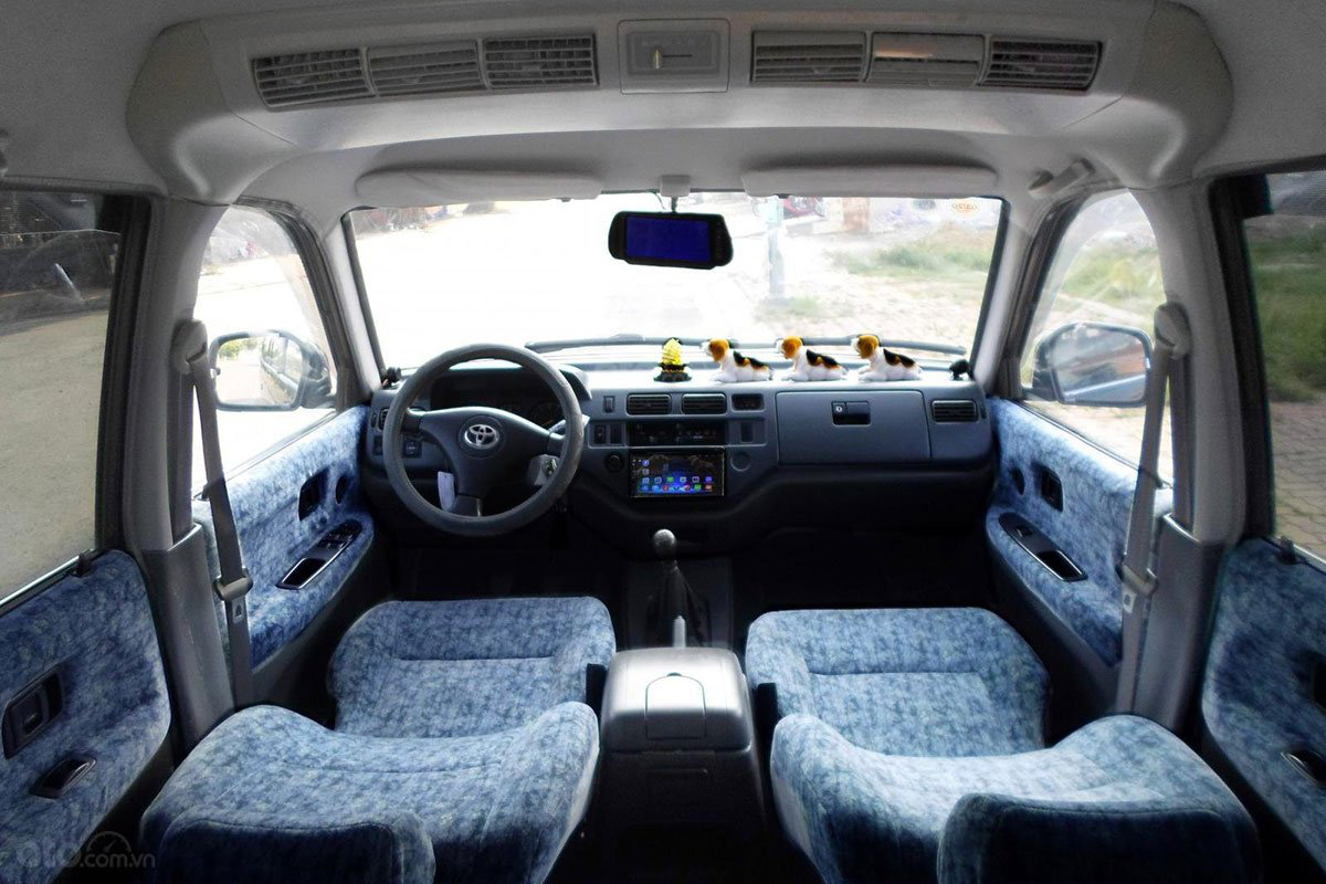 Không gian nội thất xe Toyota Zace 2005 1