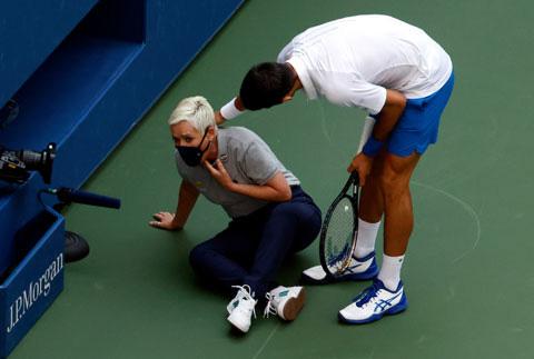 Top 5 ngôi sao quần vợt trả giá đắt vì nổi khùng trên sân - Ảnh 5.