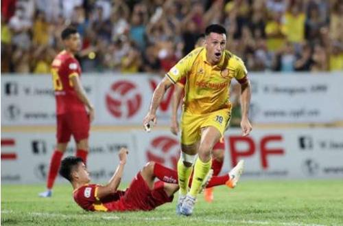 """Cầu thủ nhập tịch 36 tuổi Đỗ Merlo: Yêu Việt Nam và """"sát thủ"""" V.League - Ảnh 4."""