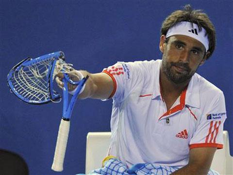 Top 5 ngôi sao quần vợt trả giá đắt vì nổi khùng trên sân - Ảnh 3.