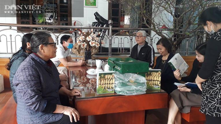 Thái Nguyên: Gần Tết chè búp khô tăng giá, người người tranh nhau hỏi mua - Ảnh 1.