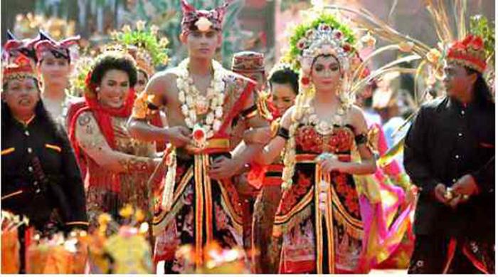 Choáng với tục lệ trăng mật kỳ quặc của bộ tộc Tidon ở Bắc Borneo - Ảnh 2.