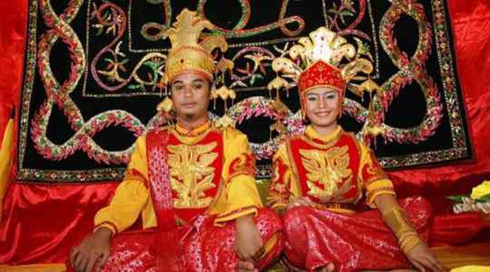 Choáng với tục lệ trăng mật kỳ quặc của bộ tộc Tidon ở Bắc Borneo - Ảnh 6.