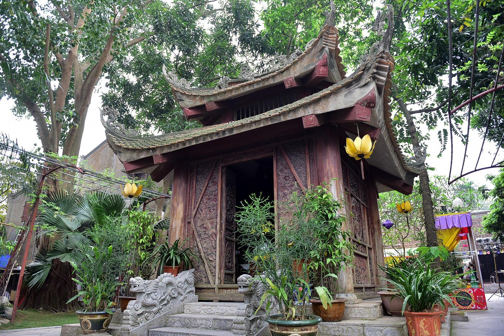 Tượng Phật từ đá quý nguyên khối trong ngôi chùa nghìn năm tuổi ở Hà Nội - Ảnh 3.