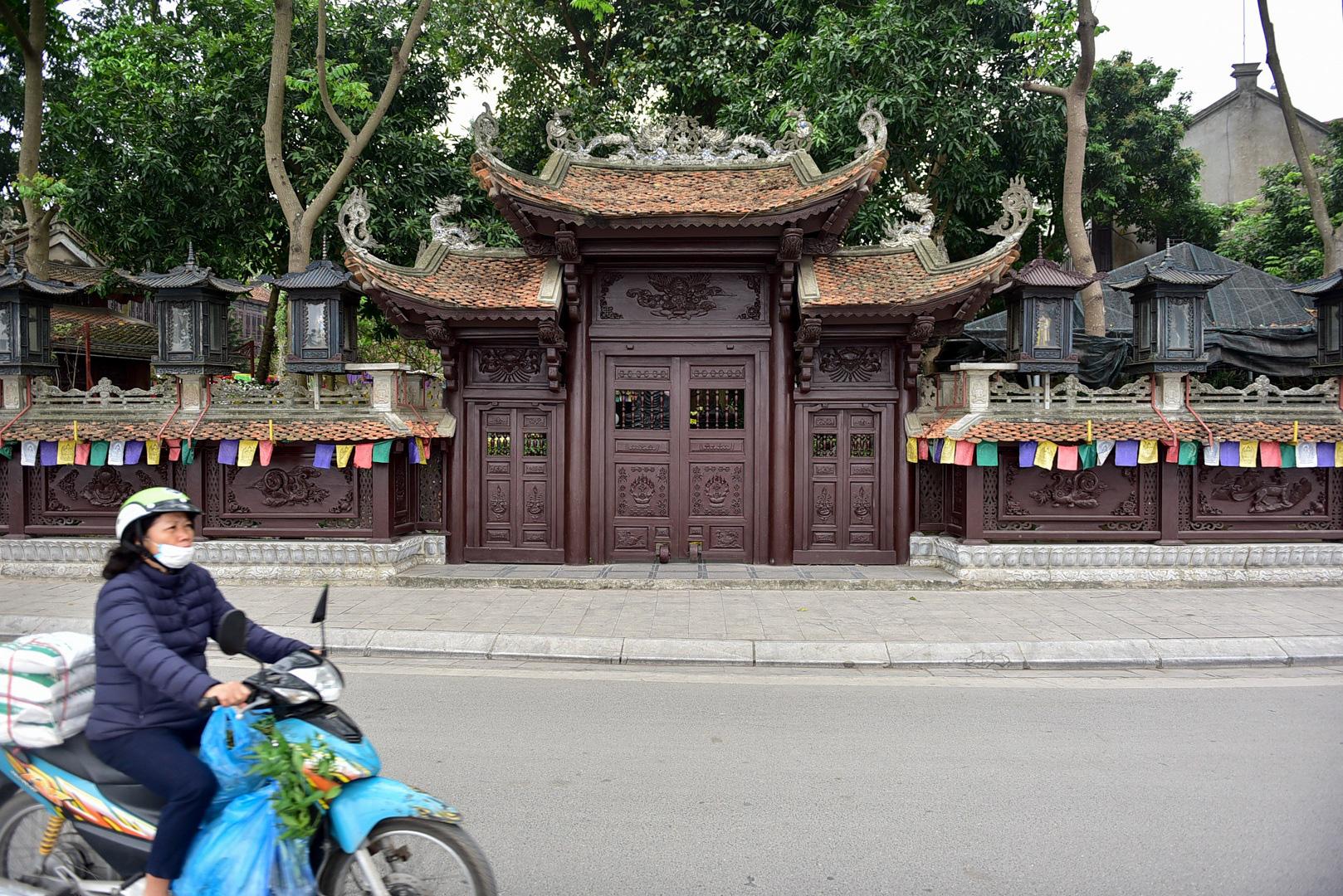 Tượng Phật từ đá quý nguyên khối trong ngôi chùa nghìn năm tuổi ở Hà Nội - Ảnh 11.