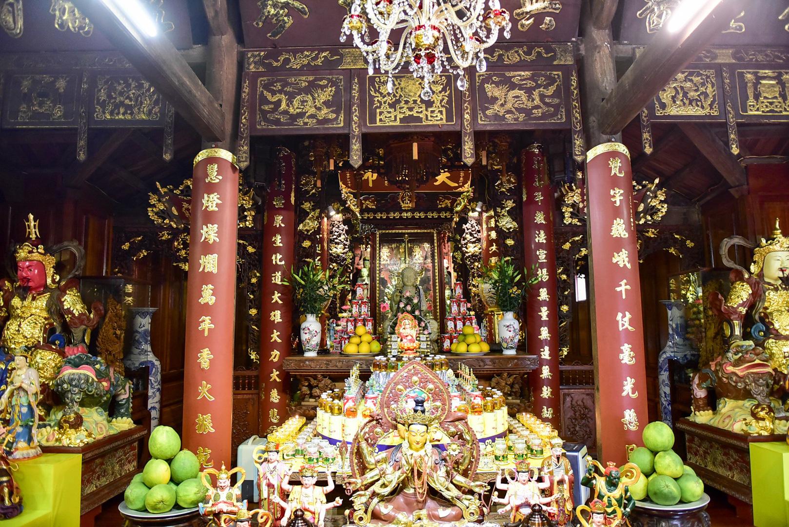 Tượng Phật từ đá quý nguyên khối trong ngôi chùa nghìn năm tuổi ở Hà Nội - Ảnh 7.