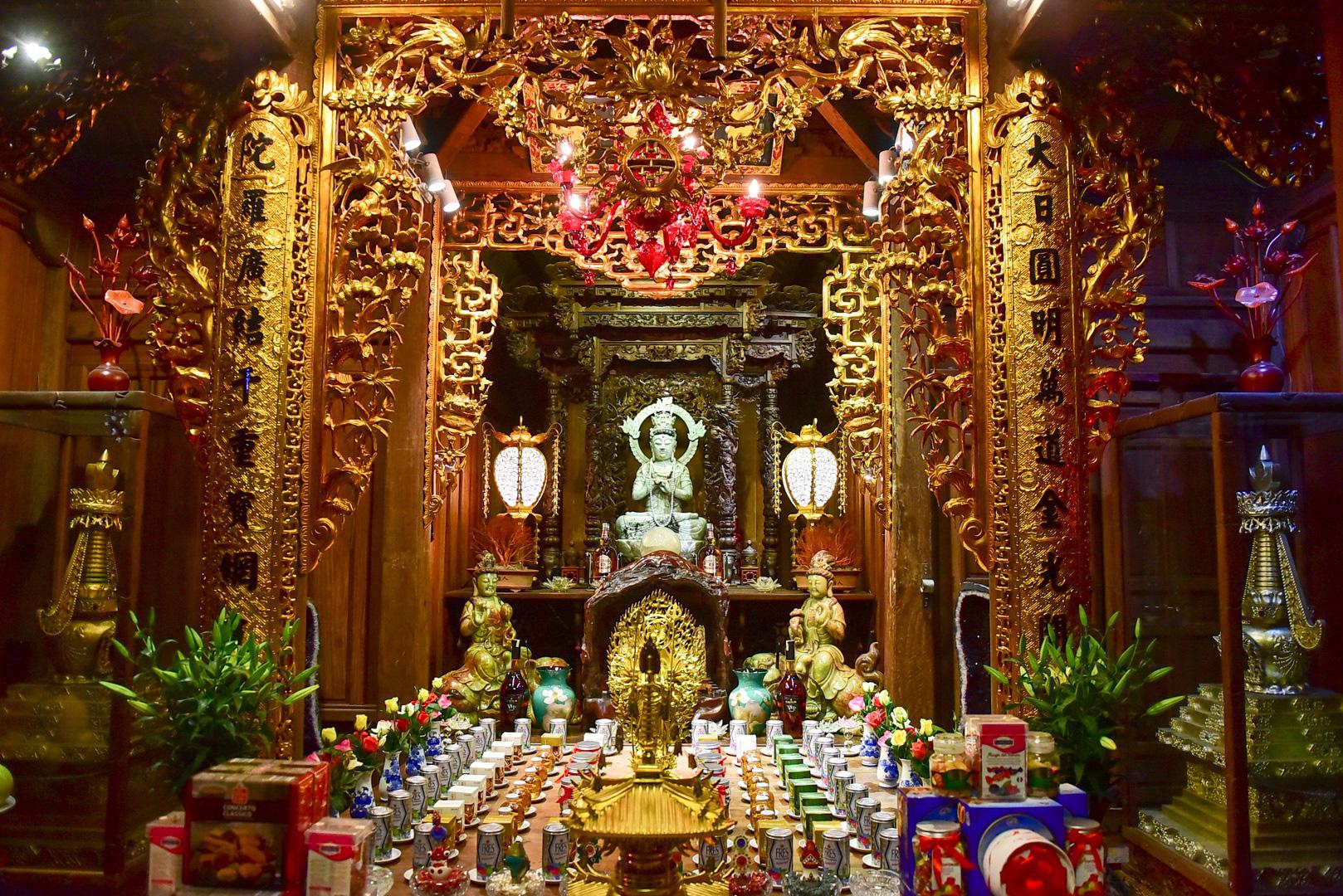 Tượng Phật từ đá quý nguyên khối trong ngôi chùa nghìn năm tuổi ở Hà Nội - Ảnh 6.