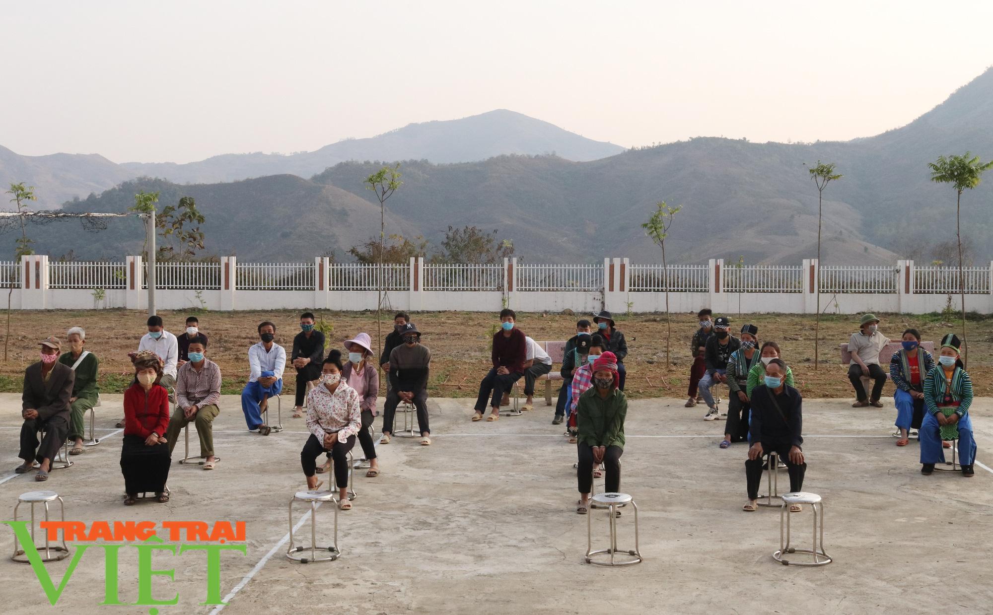 Báo NTNN/Dân Việt/Trang Trại Việt chung tay lo tết với nông dân nghèo Sơn La  - Ảnh 2.