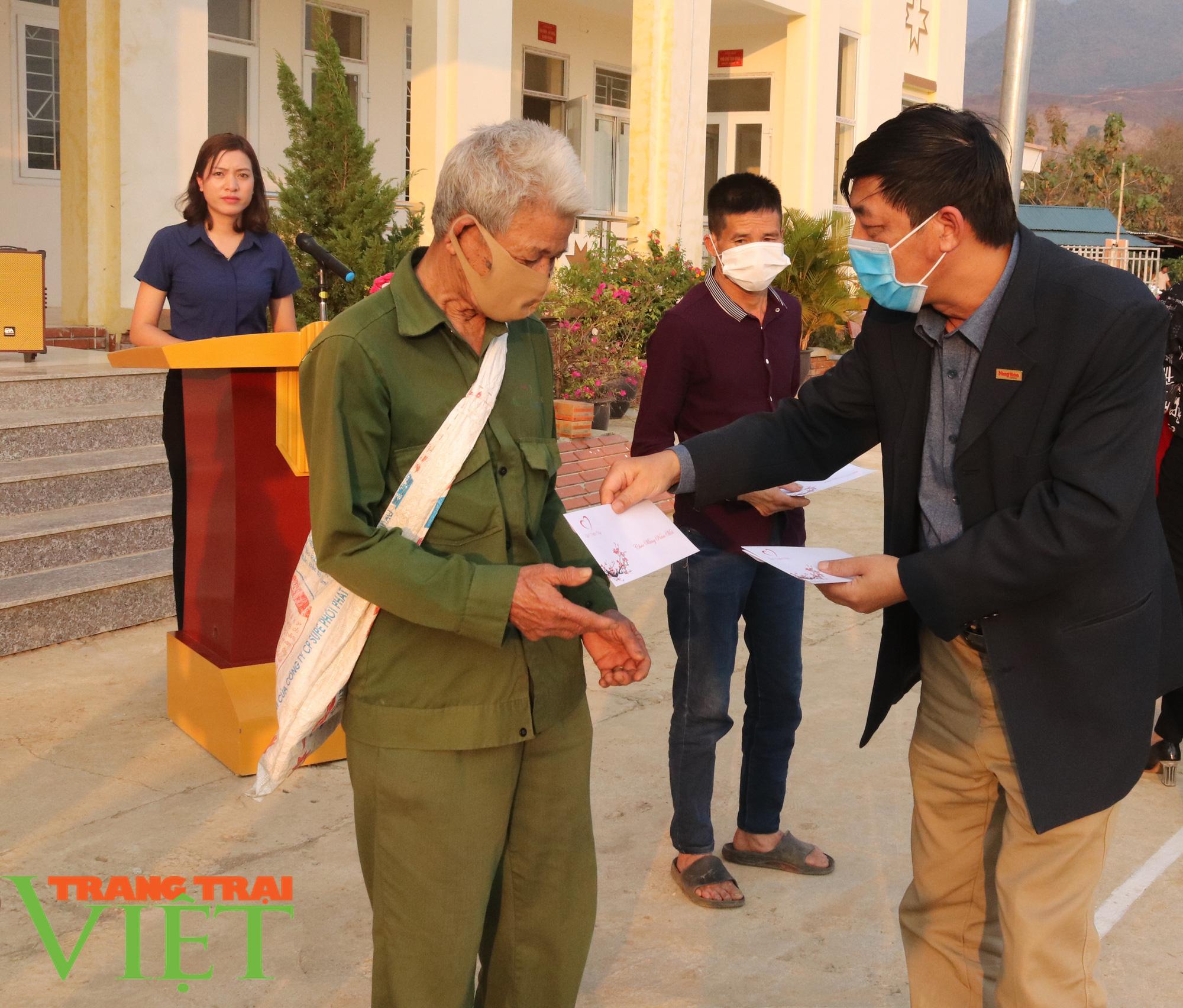 Báo NTNN/Dân Việt/Trang Trại Việt chung tay lo tết với nông dân nghèo Sơn La  - Ảnh 8.