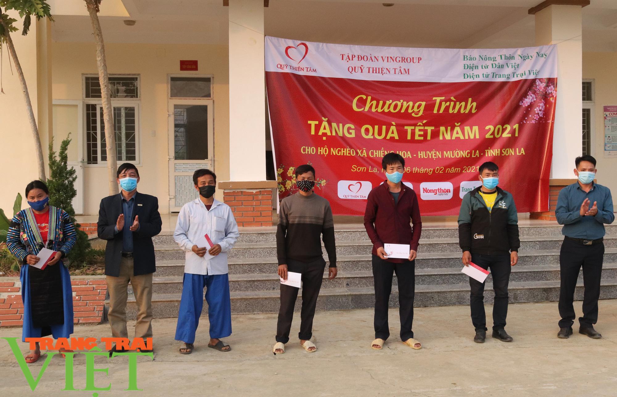 Báo NTNN/Dân Việt/Trang Trại Việt chung tay lo tết với nông dân nghèo Sơn La  - Ảnh 5.
