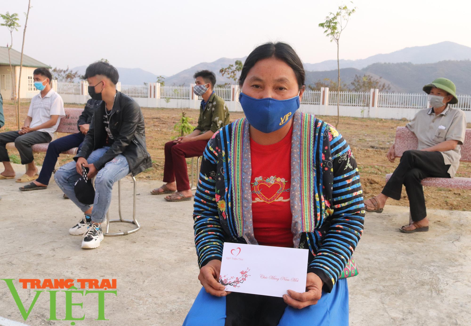 Báo NTNN/Dân Việt/Trang Trại Việt chung tay lo tết với nông dân nghèo Sơn La  - Ảnh 7.