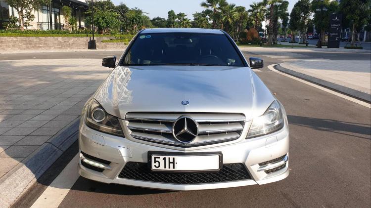 Sững sờ Mercedes C300 đời sâu chạy 8 vạn, giá ngang Cerato mới - Ảnh 1.