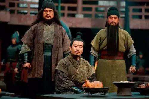 Tam Quốc Diễn Nghĩa: Nhân vật hạ được 2 người trong Ngũ hổ tướng lại là kẻ vô danh - Ảnh 1.