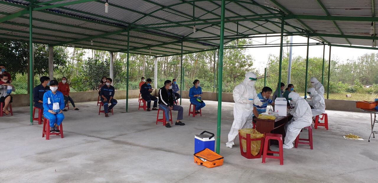 Quảng Nam: 100% cán bộ, nhân viên Cảng hàng không Chu Lai âm tính với Covid-19   - Ảnh 1.