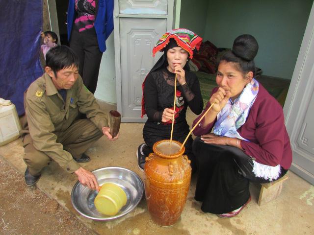 Kể chuyện làng: Lần đầu say rượu tết vùng cao - Ảnh 4.