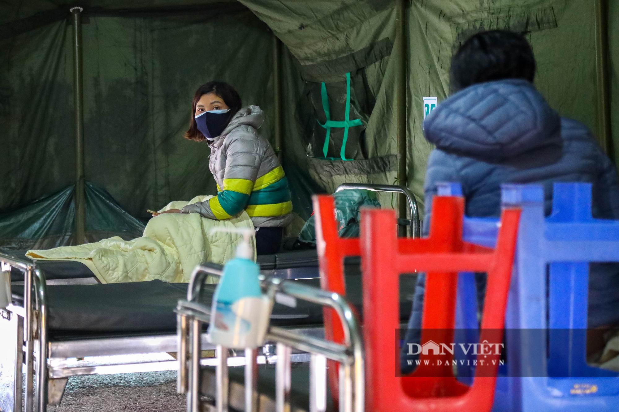 Cận cảnh bệnh viện dã chiến xây trong 4 tiếng ở Hà Nội  - Ảnh 7.