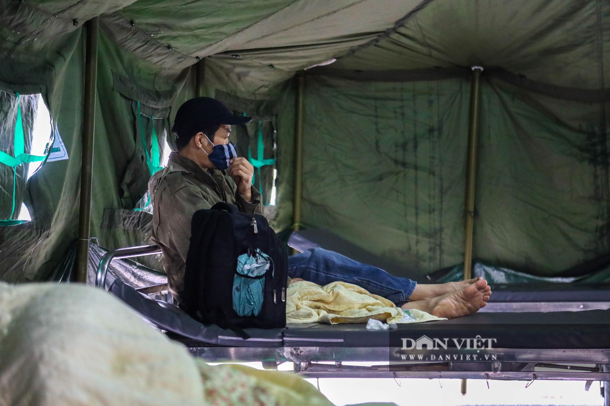 Cận cảnh bệnh viện dã chiến xây trong 4 tiếng ở Hà Nội  - Ảnh 9.